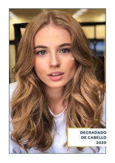 ¿Buscas inspiración para ese nuevo nuevo look? en ArteMásBelleza somos un salón de belleza con años de experiencia en degradados de cabello para mujer. Conoce más de nuestros servicios de salón de belleza en nuestro sitio web. #SalóndeBelleza #DegradadosdePeloparaMujer2020 #ArteMásBelleza #DegradadosparaCabellodeMujer2020 #SalóndeBellezaEdoMex Long Hair Styles, Face, Beauty, Instagram, Hair Coloring, Short Hairstyles, Haircuts, Long Hairstyle, The Face