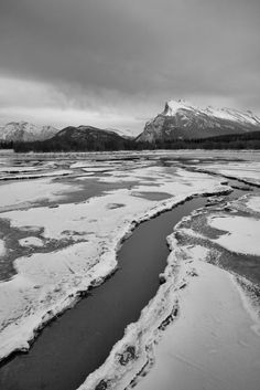 The Vermilion Lakes   Canada (by Bin.D)