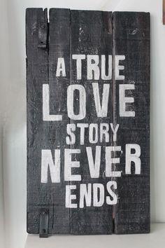 Cuadros vintage con frase: Deco Marce Tienda /una verdadera historia de amor nunca termina: