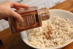 Add seasonings to popcorn right after you've popped it, when the residual steam will help them stick. Use healthy popcorn seasonings for a nutritious snack. Popcorn Toppings, Popcorn Seasoning, Flavored Popcorn, Butter Popcorn, Popcorn Recipes, Whole Food Recipes, Diet Recipes, Healthy Recipes