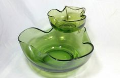 Vintage Anchor Hocking Avocado Green Glass Chip and Dip Bowl/Party Appetizer Mid Century Green Bowl/Green Chips And Salsa Olive Glass Bowls Kitsch, Anchor Hocking Glassware, Etsy Vintage, Vintage Items, Dessert Glasses, Chip And Dip Bowl, Vintage Friends, Vintage Green Glass, Green Bowl