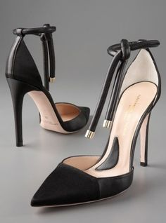 Sexy black high heel shoes www.ScarlettAvery.com