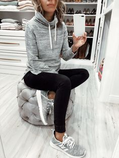 What I Wore + small haul try-on (mainly gorgeous shoes) ~ Lilly Style Legging Outfits, Sneaker Outfits, Grey Leggings Outfit, Athleisure Outfits, Sporty Outfits, Mom Outfits, Athletic Outfits, Winter Outfits, Hair