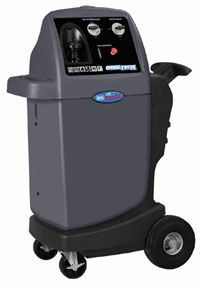 The ROB-17580 makes flushing of lines, evaporators and condensers fast and easy. Solvent circulates continuously through components (adapters are needed).