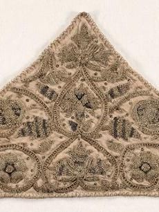 Embroidered Cap Piece    England, Elizabethan Period, late 16th century    Date: late 1500s    Medium: embroidery in silk, gold and silver threads on natural linen ground    Dimensions: Overall - h:16.80 w:38.70 cm (h:6 9/16 w:15 3/16 inches)
