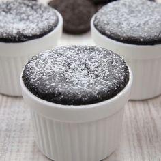 Mini Dessert Cups, Mini Desserts, Chocolate Cake Recipe Easy, Chewy Chocolate Chip Cookies, Falooda Recipe, Food Vids, Choco Lava, Yummy Drinks, Yummy Food