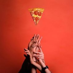 - Food photography - You are in the right place about pizza recipes Here we offer you the most beautiful pictures about - Pizza Meme, Minimal Photography, Creative Photography, Food Photography, Food Graphic Design, Food Poster Design, Pizza Kunst, Pizza Art, Pizza Pizza