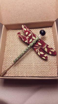 Mira este artículo en mi tienda de Etsy: https://www.etsy.com/es/listing/258631436/handmade-dragonfly-brooch-christmas