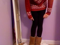 2012 FALL FASHION: big sweater or baggy shirt with optional scarf, tights and boots or mocassins....my style ;]