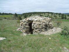 Abri de berger en pierres sèches. Cévennes. France
