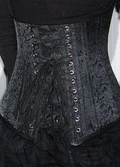 Kupuj mé předměty na #vinted http://www.vinted.cz/damske-obleceni/korzety/6595050-bordo-gothic-korzet-s-ocelovymi-kosticemi