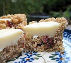 Oatmeal Cranberry White Chocolate Fudge Cups
