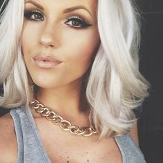 Love the hair colour. It seems that that platinum blondegrey look only works on younger girls, as when I got it my friends told me I just looked like Id gone grey