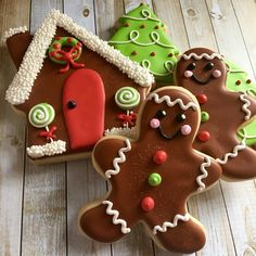 Gingerbread men and house cookies Gingerbread Men, Gingerbread Cookies, Confetti Cookies, Desserts, House, Food, Tailgate Desserts, Ginger Cookies, Deserts