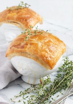 Puff Pastry Chicken, Individual Chicken Pot Pies, Puff Pastry Recipes, Puff Pastries, Scone Recipes, Pie Recipes, Drink Recipes, Crusted Chicken, Easy Chicken Recipes