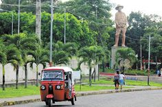 Ciudad de Niquinohomo es un municipio del departamento de Masaya, Nicaragua, ubicada en la Meseta de los Pueblos. Tiene 13.458 hab. y ocupa un área de 31,69 km² con una densidad poblacional de 425 hab./km².