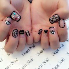 """""""#네일#네일아트#젤네일 #젤아트#유행네일#트렌디#스타일#인스타네일#nail #nails #nailart #gelart #gelnails #geldesign #trendy #trendynail #style #cutenail #instanail #lanails…"""""""