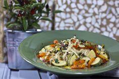 Λιγκουίνι με λαχανικά Cooking Recipes, Easy, Cooker Recipes, Chef Recipes, Recipes, Recipies