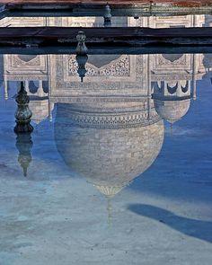 Nice reflection of the Taj Mahal