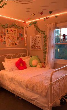Room Design Bedroom, Room Ideas Bedroom, Bedroom Decor, Bedroom Inspo, Korean Bedroom Ideas, Bedroom Wall, Indie Room Decor, Cute Room Decor, Chill Room