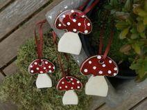 Anhänger Keramik Pilze 4er-Set