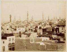 الصورة بانوراما رائعة لمأذن مساجد منطقة عريقة من مدينة القاهرة المحروسة .... وهى منطقة الجمالية .