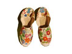Zapatillas - Alpargatas Juveniles pintadas con Flores - hecho a mano por Dora-Correa en DaWanda