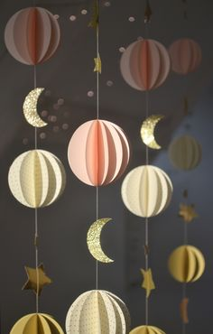 Ramadan Crafts, Ramadan Decorations, Paper Decorations, Diy Party Decorations, Cute Room Decor, Diy Wall Decor, Diy Home Crafts, Crafts For Kids, Decoration Vitrine