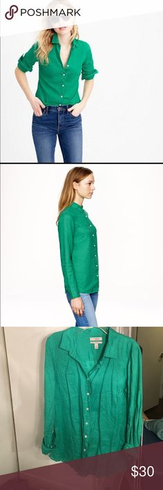 J Crew Perfect Linen Shirt This shirt is authentic J Crew and is a bright kelly green. It is 100% Linen and has off-white buttons down the front. Full length sleeves and in perfect condition!! J. Crew Tops Button Down Shirts