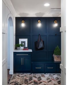 Only the right kind of blues in this mudroom ❤️❤️ builder designer 📸 Mudroom Cabinets, Mudroom Laundry Room, Living Room Entertainment Center, Home Organisation, Organization, Drop Zone, Front Rooms, Home Remodeling, Building A House