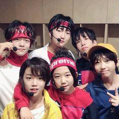 23.3K 個讚,262 則留言 - Instagram 上的 BOY STORY(@official_boystory):「 <Enough> MV Shooting Behind📸 #BOYSTORY #ZIHAO #梓豪 #ENOUGH 」 Asian Boy Band, Chinese Babies, Korean Boys Ulzzang, Ulzzang Kids, Hip Hop, Things To Do With Boys, Pre Debut, Asian Kids, Kim Jaehwan