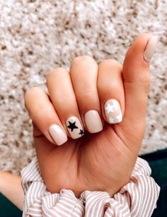 Try some of these designs and give your nails a quick makeover, gallery of unique nail art designs for any season. The best images and creative ideas for your nails. Summer Acrylic Nails, Cute Acrylic Nails, Cute Gel Nails, Summer Nails, Nail Ideas For Summer, Simple Gel Nails, Pretty Nails For Summer, Cute Short Nails, Short Nails Art
