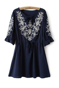 Pretty!! Navy and White Vintage Floral Embroidery Half Sleeve Dress