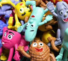 Stick a pencil up their arse and bite their arms off - Thats the way we rolled! 1970s Childhood, My Childhood Memories, Childhood Toys, Sweet Memories, 70s Toys, Retro Toys, Vintage Toys, Antique Toys, Pencil Toppers