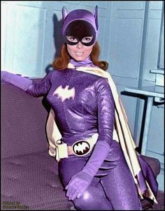 Yvonne Craig as Batgirl from Batman tv series Batman Y Robin, Batman And Batgirl, Batman 1966, Batman And Superman, Batman Arkham, Batman Art, Batman Tv Show, Batman Tv Series, Héros Dc Comics