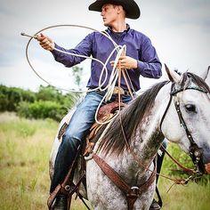 I can fix a loop. #cowboy &his #horse @rockandrolldenim @panhandleww