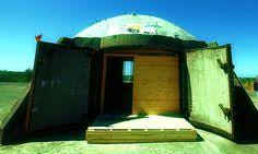 La corsa al bunker... il nuovo business in Albaniahttp://tuttacronaca.wordpress.com/2013/11/01/la-corsa-al-bunker-il-nuovo-business-in-albania/