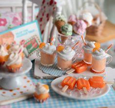 Miniature Orange Creamsicle Floats and Ice Cream Bar Set