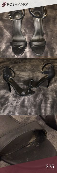 Black heels with strap I had sole inserts (bc my feet are a 5.5 sometimes) these are Size 6. But there is a little bit of sole insert stuck in the heel (last pic). But they are in GREAT condition!!! (3-4inches!) **NO TRADES!! Shoes Heels