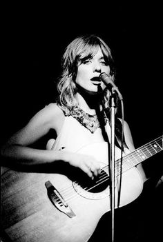 Nancy Wilson....lovely photo