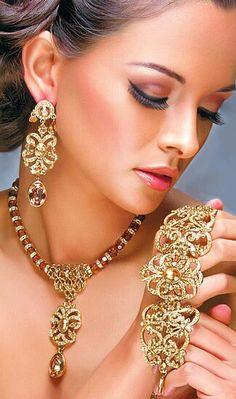 #Golden #Luxury - Luxurydotcom