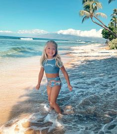 My first time in Hawaii🌸 Wish we didn't have to leave today😢🌴 Savannah Rose, Cole And Savannah, Savannah Chat, Beautiful Little Girls, Beautiful Family, Fashion Kids, Forever And Forava, Sav And Cole, Taytum And Oakley