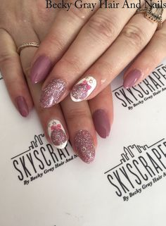 #gelii #manicure Elenor rigby #magpiebeauty #magpieglitter #showscratch #nails #christmas