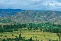 Panorámica del altiplano de Villa de Samacá, donde se observa la planicie aluvial y las montañas disectadas.
