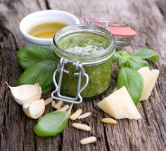 Basil & Spinach Pesto is delicious served on your favorite pasta or spread on artisan bread. Cook 1 lb spaghetti, according to instructions on box, drain, add Basil & Spinach Pesto and toss to coat. Basil Walnut Pesto, Basil Pesto, Creamy Pesto, Thermomix Pesto, Receta Salsa Pesto, Pesto Genovese, Salada Caprese, Clean Eating, Healthy Eating