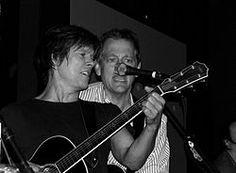 Michael Bacon (musician) - Wikipedia, the free encyclopedia