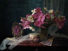 #still #life #photography • photo: Натюрморт с цветами   photographer: Марина Филатова   WWW.PHOTODOM.COM