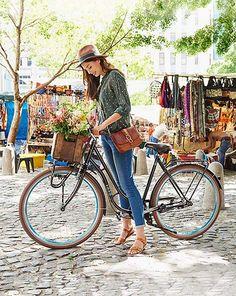 Damen Frontlader-Fahrrad für 369€ - Das schöne Fahrrad ist der ideale Begleiter für die Fahrt zum Einkaufen oder zum Picknick im Grünen.