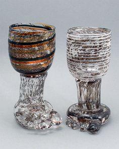 Jalkamaljat (Foot Goblets) Weckström, Björn, Nuutajärvi | Designlasi.com Mason Jar Wine Glass, Glass Design, Modern Contemporary, Designer, Scandinavian, Glass Art, Retro Vintage, Sculptures, Candle Holders