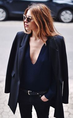 f5d526b232a46 Street Style, Street Chic, Blazer Noir, All Black Outfit, Trenchcoats,  Fashion